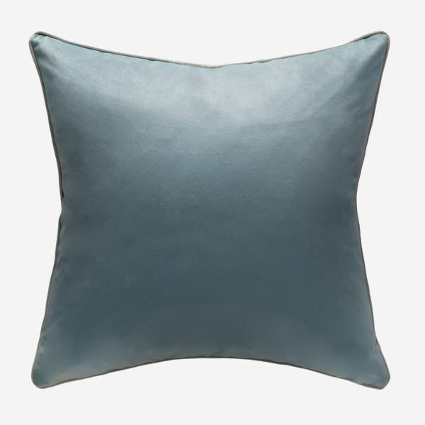Houdini_Powder_Putty_Cushion_ACC3161