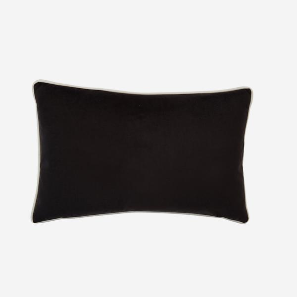Houdini_Ebony_Milk_Cushion_ACC3156_