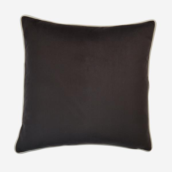 Houdini_Charcoal_Milk_Cushion_ACC3162