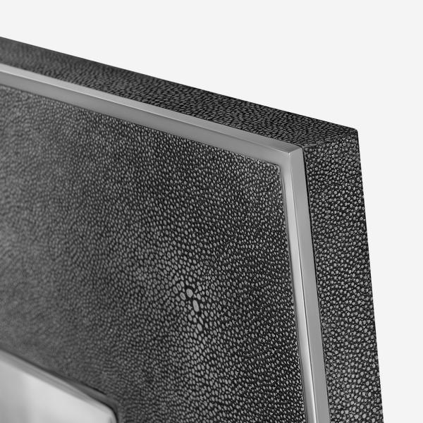 Albany_Mirror_Grey_Finish_Detail