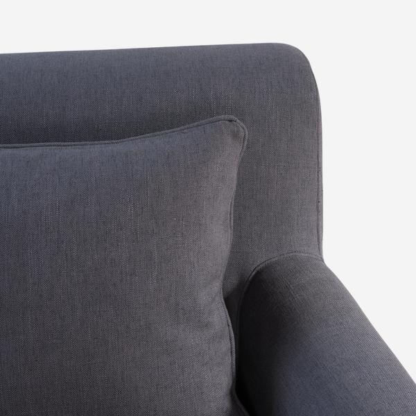 Blanche_sofa_cushion_corner
