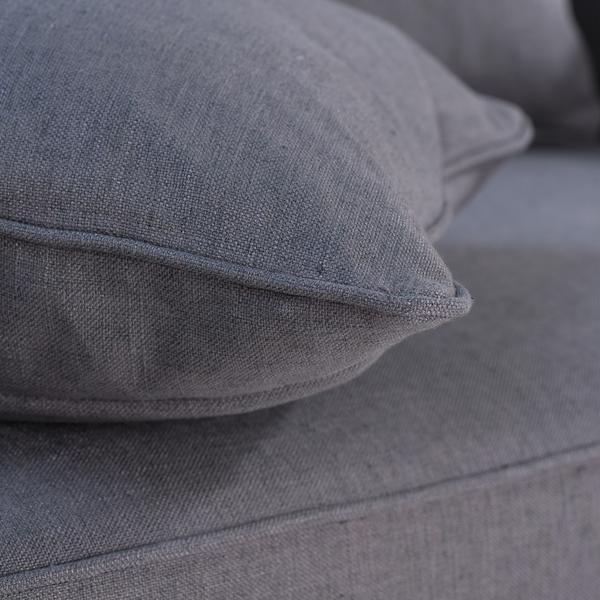 Blanche_sofa_detail