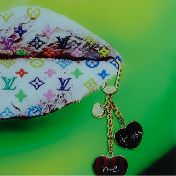 Louis_Vuitton_Green_Artwork