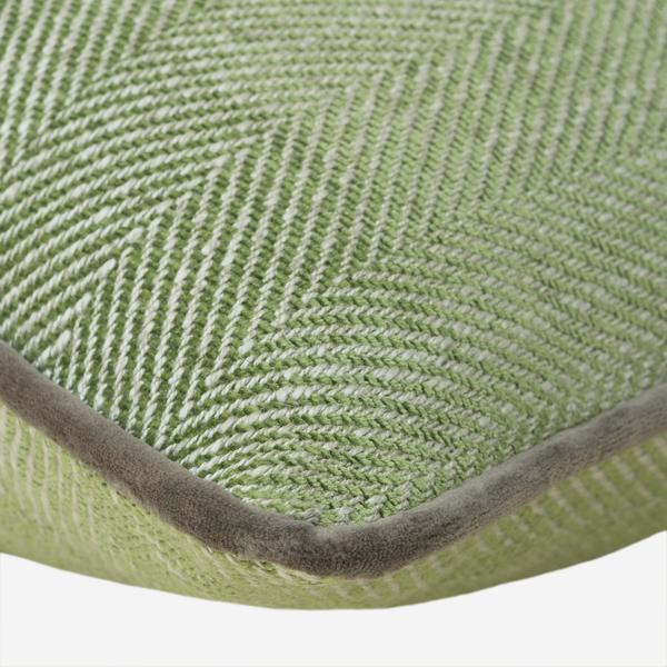 Summit_Palm_Cushion_with_Arundel_Taupe_Piping_Detail