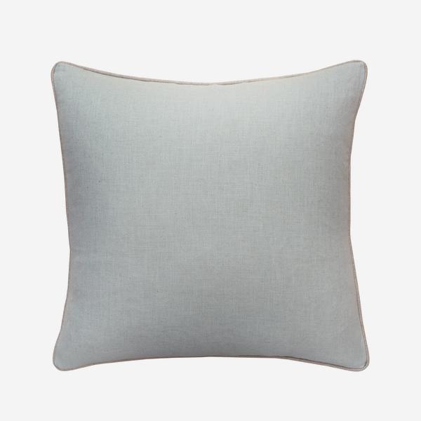 Trek_Powder_Cushion_with_Trek_Linen_Piping