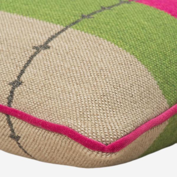 Yumuri_Multi_Cushion_Detail_