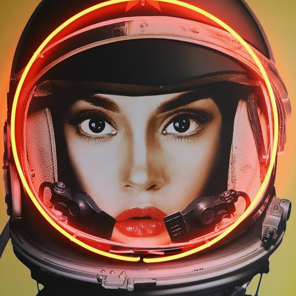 Space_Girl_Black_Detail