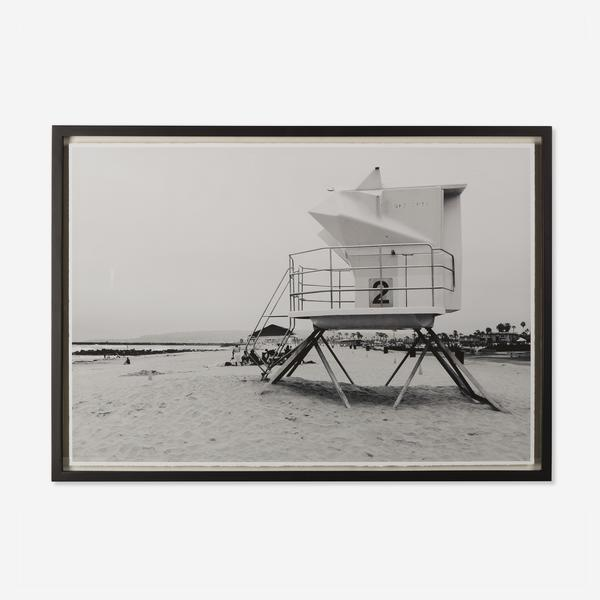 Lifeguard_Station_Photograph