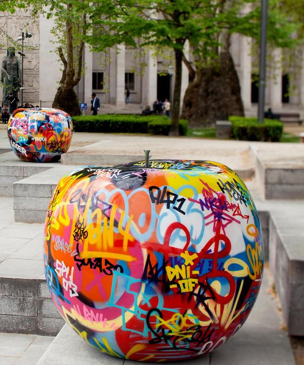 graffiti_apple_06