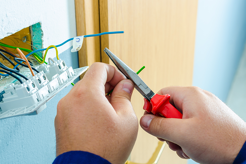 1Call_Electrician_530x800.png