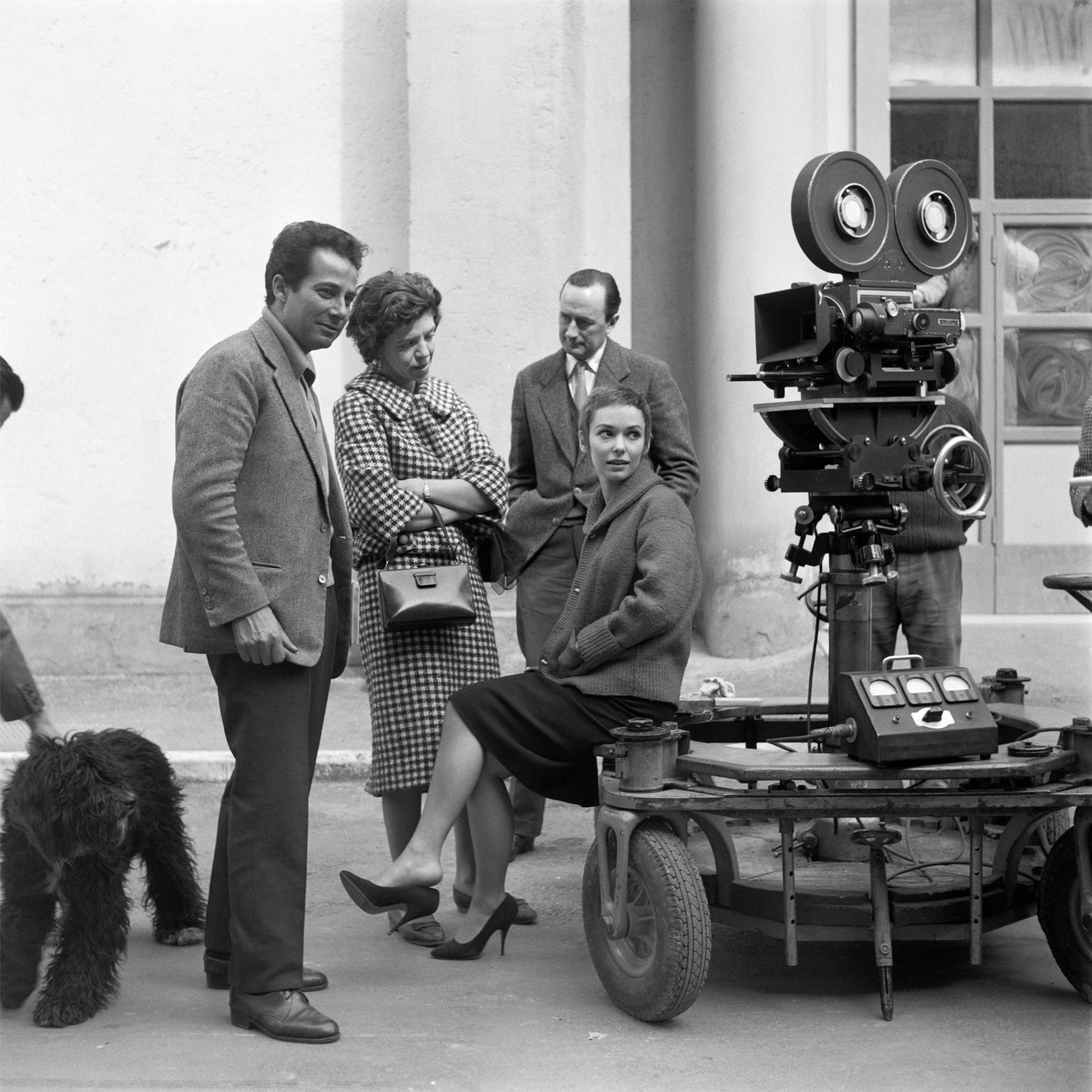 Angelo Frontoni, Gillo Pontecorvo e Susan Strasberg sul set di Kapò © Angelo Frontoni / Cineteca Nazionale – Museo Nazione del Cinema di Torino
