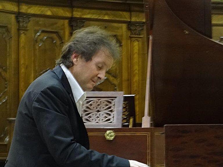 Bonino al fortepiano