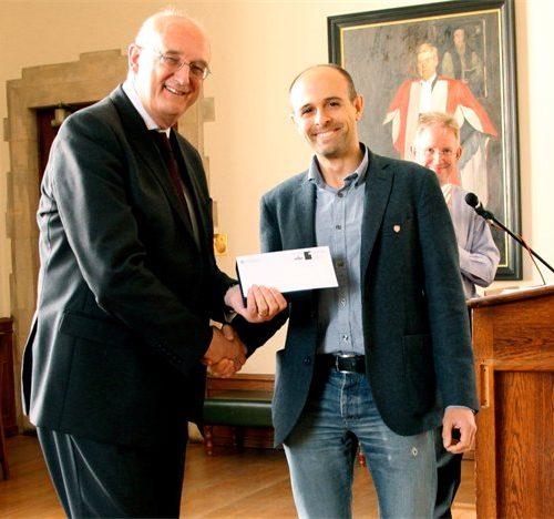 Biophotovoltaic Shelter's Award winner shares award with Botanic Garden