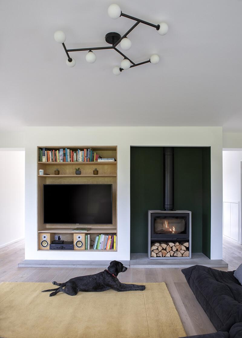 Cornival-Inteirior-Lounge-Dog-Aberdeenshire-Cottage-04.jpg