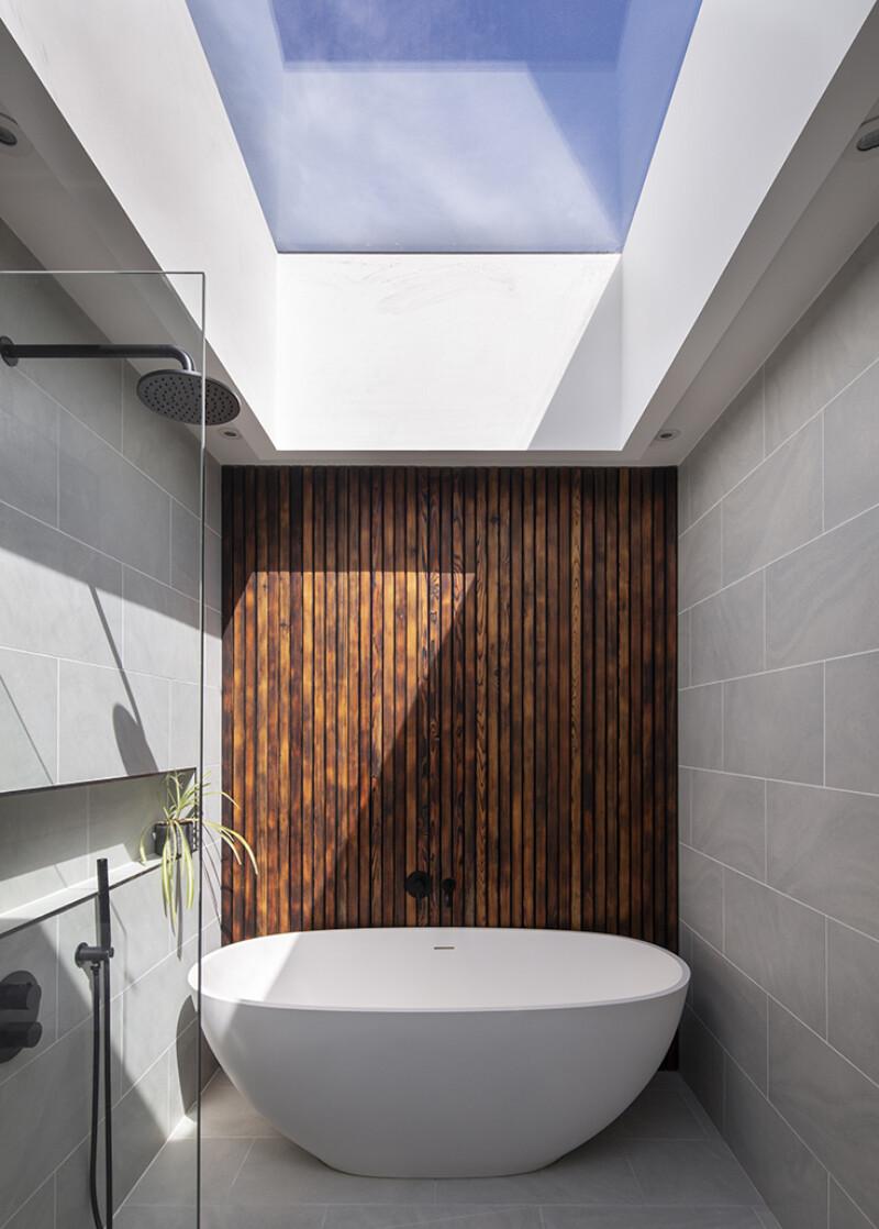 Cornival-Interior-Bathroom-Aberdeenshire-Cottage-Bathtub-Cladding-07.jpg