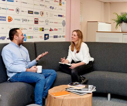 Interview op de bank bij Crossphase