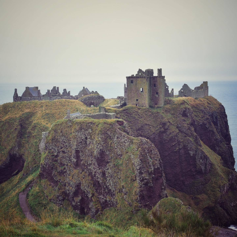 Dunnottar Castle nea