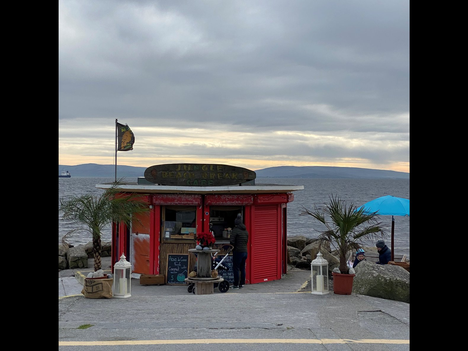 Coffee on the prom