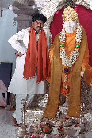 Šrí Káléšvara a Širdi Sáí Bábova socha v Penukondě, Indie
