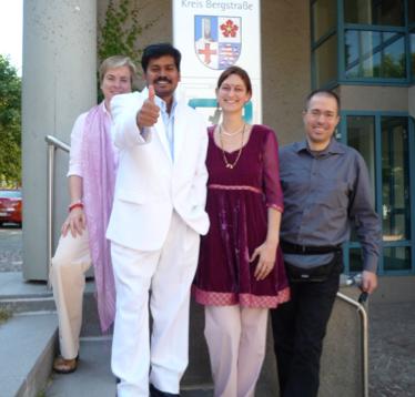 Sri Kaleshwar in Heppenheim mit Constanze, Tatyanna und Tobias, 2011