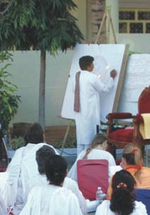 Sri Kaleshwar lehrt das JC Yantra, Penukonda, Indien
