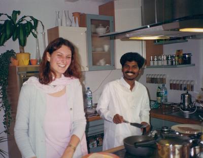Chapatis backen - Sri Kaleshwar mit Tatyanna in Einhausen, 2000