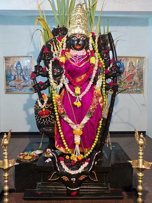 Mahishasura Mardini verwandelt sich in Kanaka Durga, ihre friedvolle Form