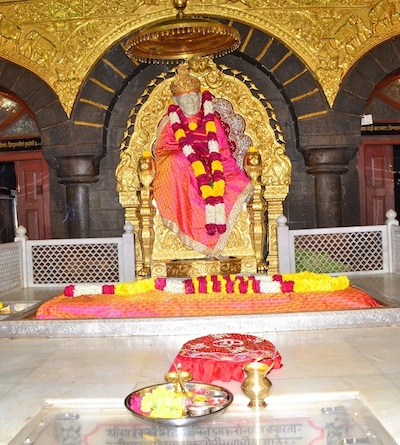 Shirdi Sai Baba Murti and samadhi shrine in Shirdi, India