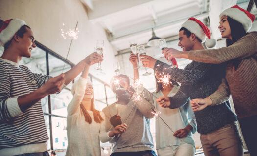Kerstborrel passen deze kosten binnen de werkkostenregeling - KroeseWevers