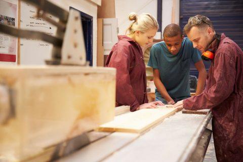 LKV jongeren stimuleert werkgevers om kwetsbare jongeren in dienst te nemen en te houden
