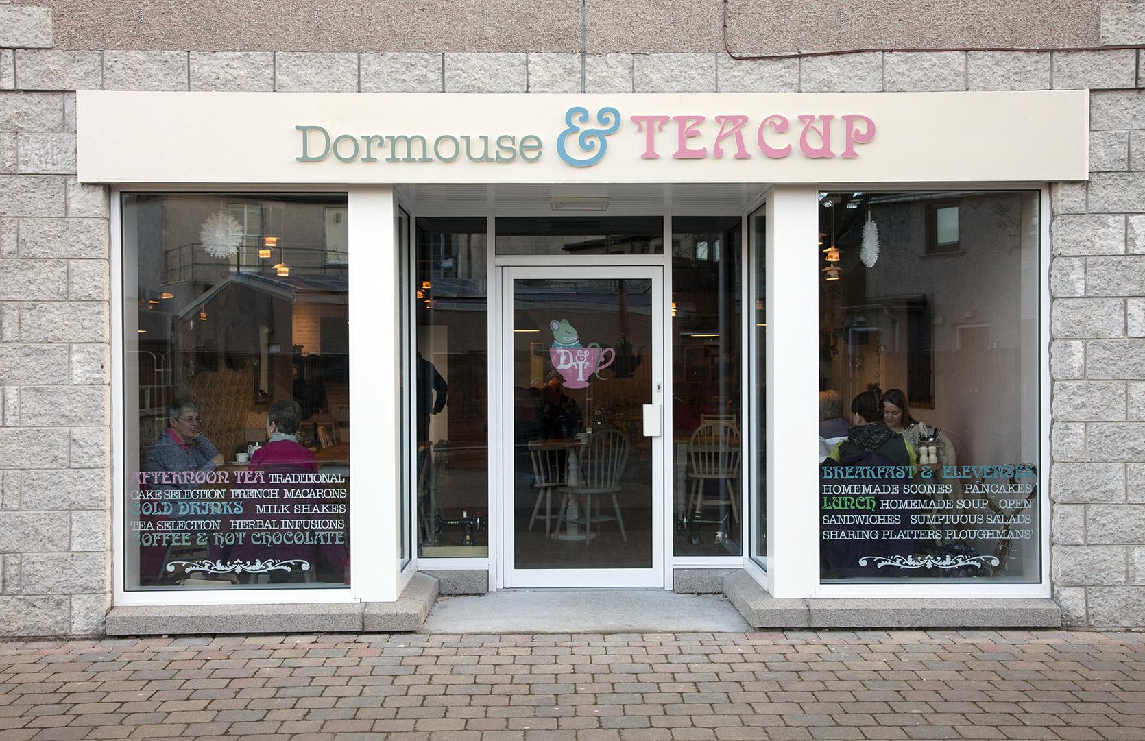Dormouse & Teacup