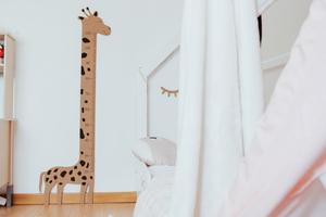 Régua de cortiça em formato de Girafa