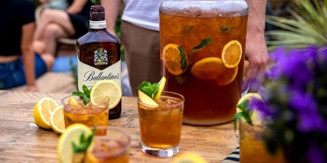 Ballantine's Summer Whisky Cocktail Peach Tea Punch