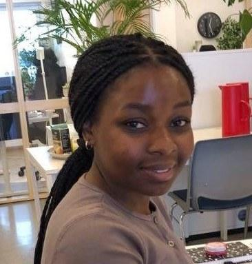 Esther Kamitanji studerer bachelor i internasjonale studier