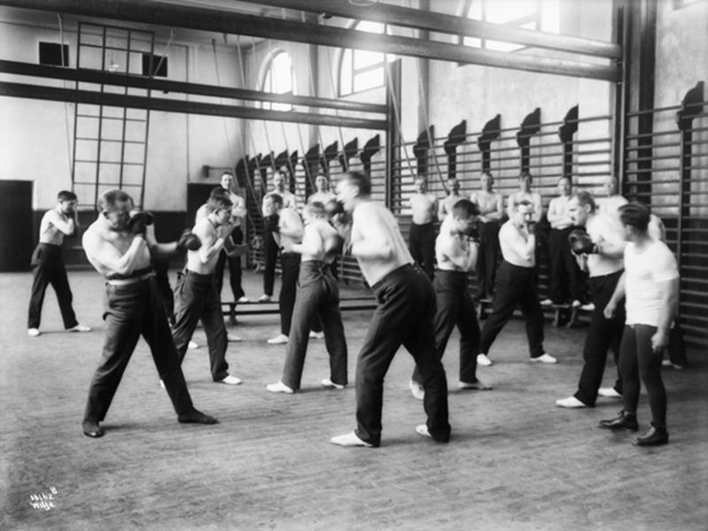 Politiskolens bokseundervisning, ca. 1920