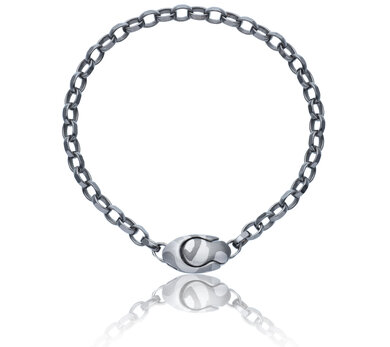 Silver diamond cut oval belcher chain with a feature clasp hand painted in camouflage using silvery shades of rhodium