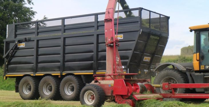 New high-capacity Smyth trailer employs 'forced' steering system