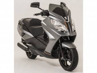 Peugeot-Satelis-125 - Motorbike Magazine 01