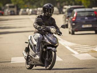 Suzuki Address MBK6 0944