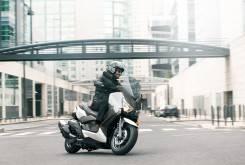 Yamaha XMAX 400 1