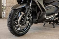 Yamaha XMAX 400 14