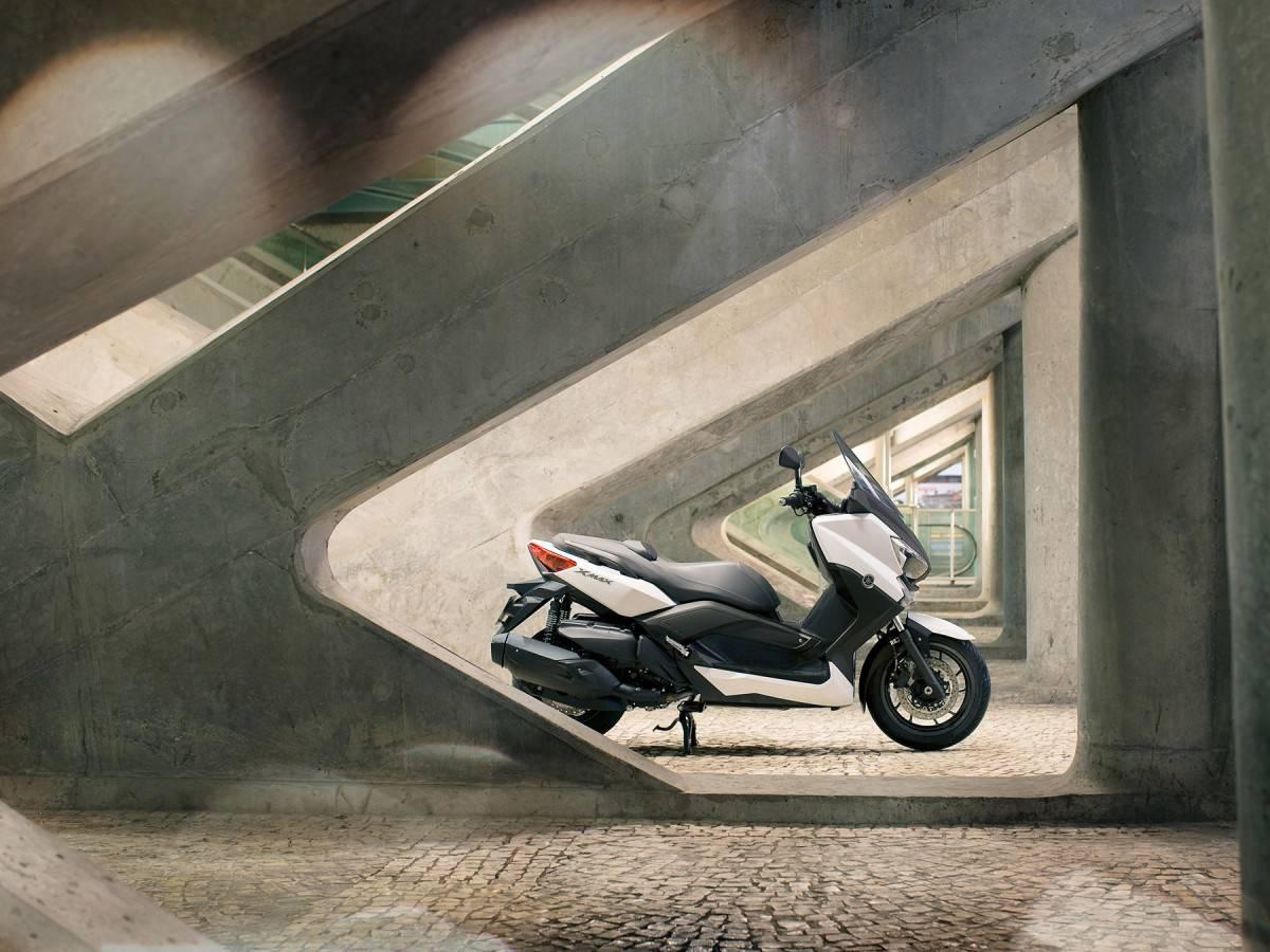 Yamaha X Max 400 Precio Fotos Ficha Técnica Y Motos Rivales