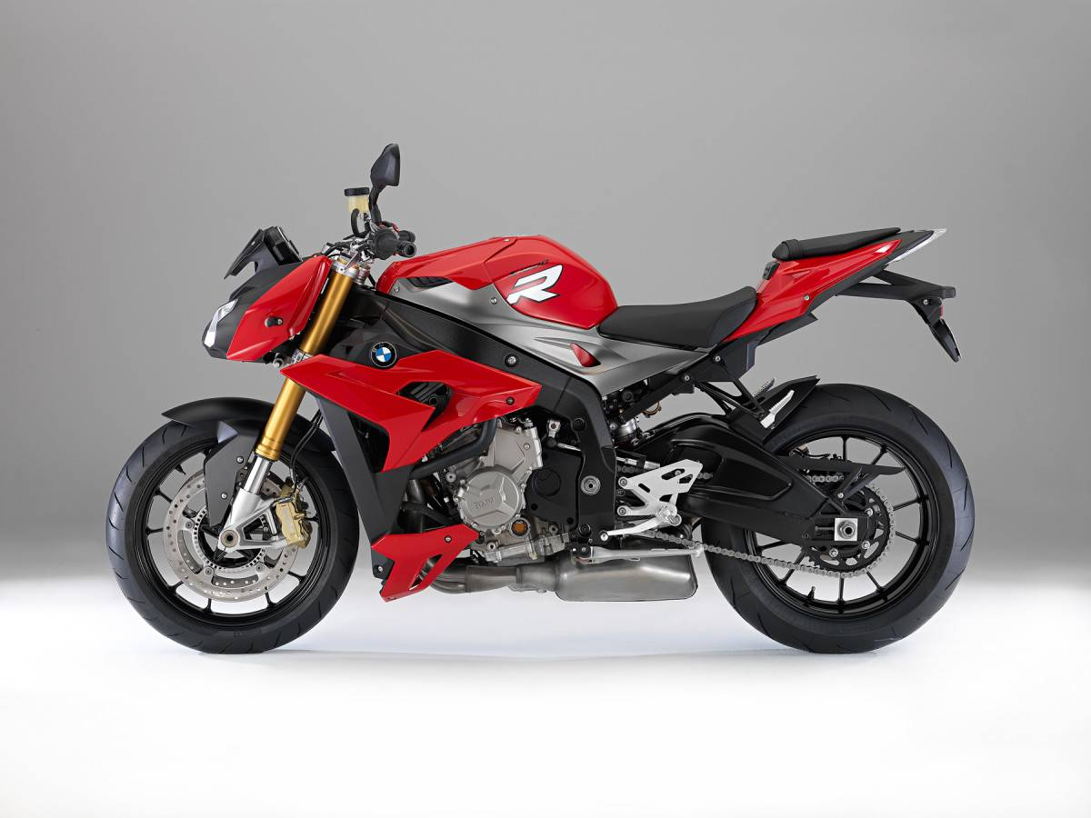 https://s3.eu-west-1.amazonaws.com/cdn.motorbikemag.es/wp-content/uploads/2015/12/P90137529_highRes-1200x900.jpg