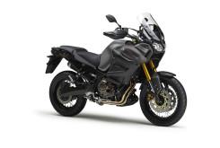 Yamaha XTZ1200Z SuperTénéré - Estudio