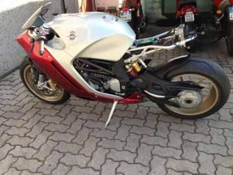 MV Agusta Zagato fotos filtradas bikeleaks 02