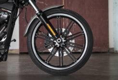 Harley Davidson Softail Breakout 2018 10