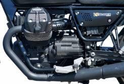 Triumph Bonneville Bobber vs Moto Guzzi V9 Bobber 04
