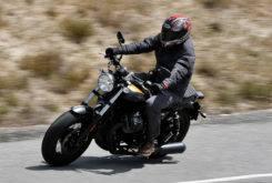 Triumph Bonneville Bobber vs Moto Guzzi V9 Bobber 10