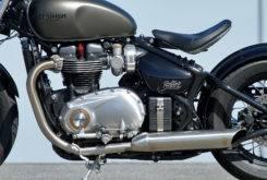Triumph Bonneville Bobber vs Moto Guzzi V9 Bobber 19