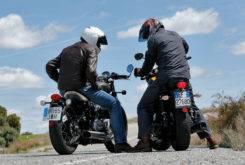 Triumph Bonneville Bobber vs Moto Guzzi V9 Bobber 32